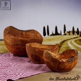 Schale aus Olivenholz mit Naturrand