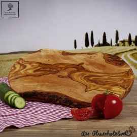Cutting board natural edge and shape